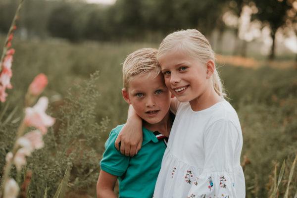 Bro & Sis